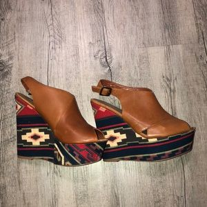 Steve Madden tribal/leather wedges Size 8